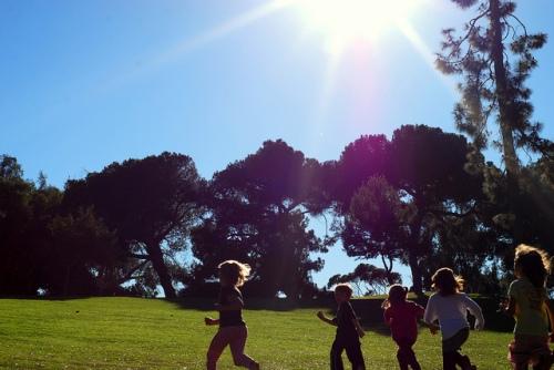 KIDS IN SUN
